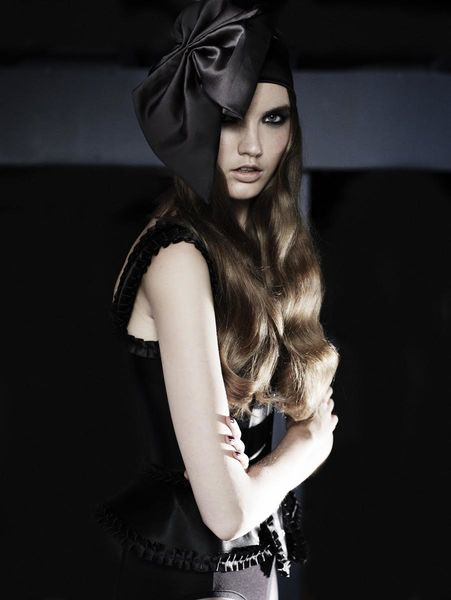 Kirsi Nisonen Black Satin Bow Turban
