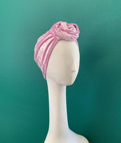 Mustahöyhen Pale Pink Velvet Turban with Knot